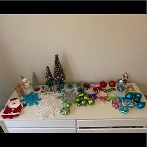 Bright Christmas Decor Bundle